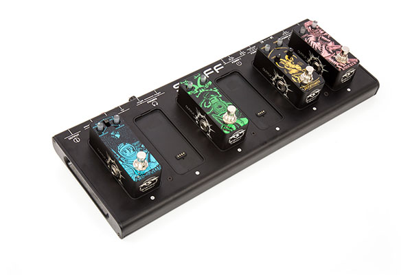 CB20 CABLE FREE PEDALBOARD